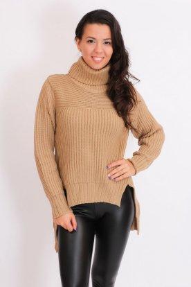 Elöl rövidebb, hátul hosszabb garbós kötött pulóver