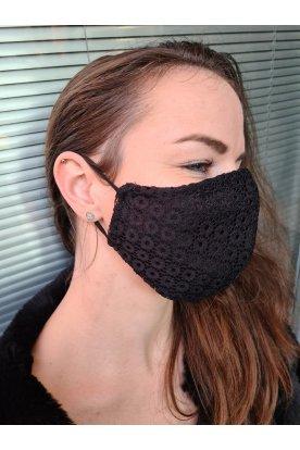 Fekete csipkés maszk
