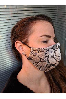 Anyagában mintás maszk