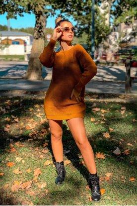 Divatos kötött pulóver