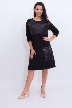 Steppelt mintával díszített fekete zsebes ruha