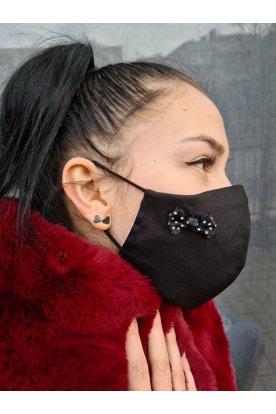 Pöttyös masnival díszített szájmaszk