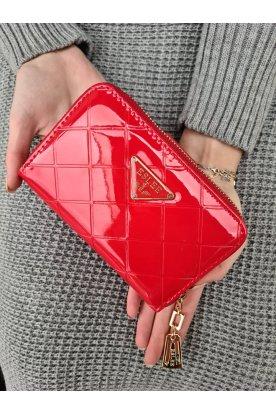 Lakkos felületű pepita mintás piros színű női pénztárca
