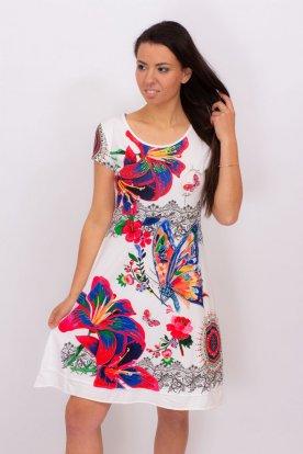 Egyedi tervezésű elegáns mintákkal díszített női mini ruha