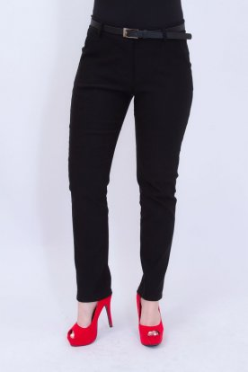 Elegáns fekete egyenesszárú női nadrág övvel