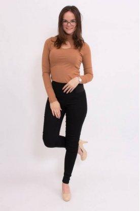 Divatos női fekete színű magasított, gumis derekú farmernadrág