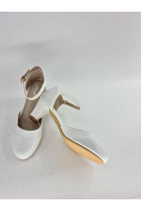 Alkalmi fehér csillogós pántos női magassarkú cipő
