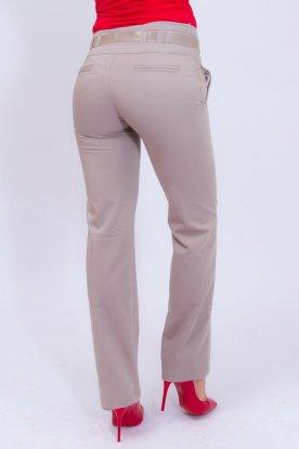 VIKTORIA MODA elegáns bézs színű egyenesszárú női nadrág övvel
