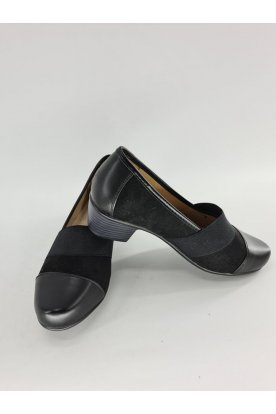 Alkalmi magassarkú fekete színű női elegáns cipő