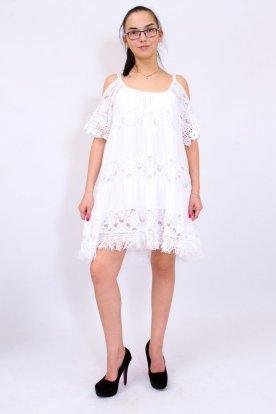 Gyönyörű női fehér színű nyitott válló horgolt és csipkebetéttel díszített ruha