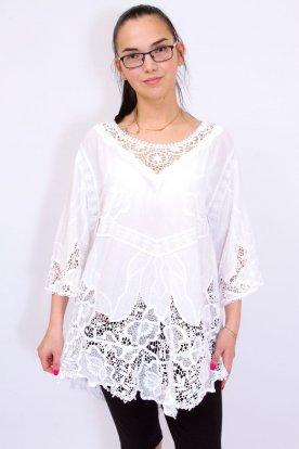 Gyönyörű női fehér színű horgolt bő szabású háromnegyed ujjas felső