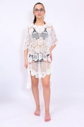 Gyönyörű női fehér színű elöl rövidebb hátul hosszabb horgolt strandruha