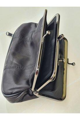 Divatos női három légterű fekete pénztárca