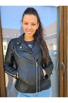 Stílusos oldalt cipzáros női motoros bőrkabát