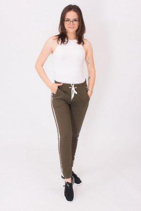 Oldalán csíkos szabadidő nadrág