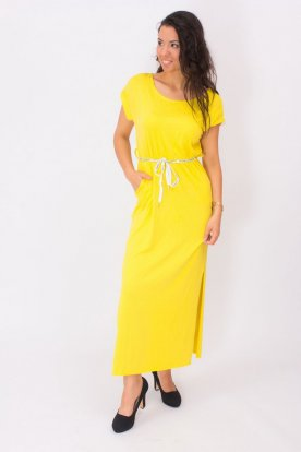 Egyszínű maxi ruha övvel