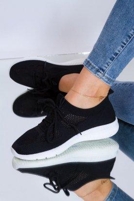 Női divatos zoknicipő