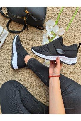 Köves sportcipő