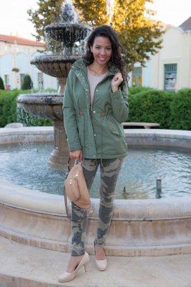 Női divatos stilusos átmeneti parka kabát